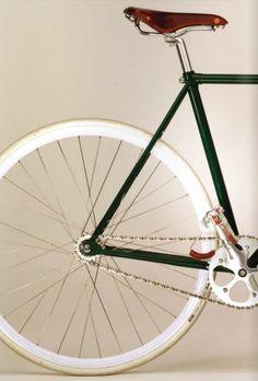 steel frame, brooks saddle, leather pedal straps...
