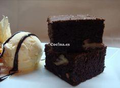 Receta de Brownie de chocolate y nueces: http://brownie-de-chocolate-y-nueces.recetascomidas.com/