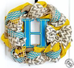How to make a Chevron Burlap Wreath. Pretty sure I'll do this one, but with different colors.