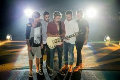 Image uploaded by Cecy. Find images and videos about one direction, niall horan and louis tomlinson on We Heart It - the app to get lost in what you love. Zayn Malik, Niall Horan, One Direction Tour, One Direction Concert, One Direction Photos, Liam Payne, Louis Tomlinson, Mark Ronson, Calvin Harris