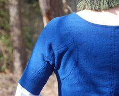 Shows the back detail of a Grand Assiette sleeve