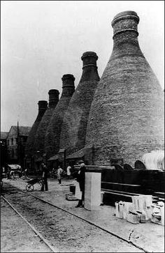 Glost bottle kilns at Twyfords Cliffe Vale works Uk History, Local History, Family History, Hornsea Pottery, Ceramic Stool, Abandoned Factory, Old Pottery, Industrial Architecture, Stoke On Trent