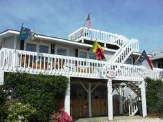 Sunset Beach, NC - Welcome to The 'original' Bugg House! Beautiful fenced yard; great deck space.