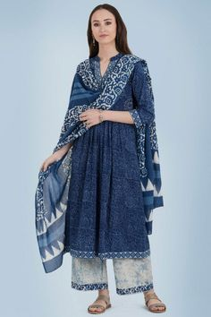 Add statement-making silhouettes to your closet designed in indigo hues. Our Nakshatra Farah Kurta comes with box pleats, featuring hand-embroidery with thread, mirror and sequin work. Pair this A-line kurta with farsi pants and a dupatta. Pakistani Dresses, Indian Dresses, Indian Outfits, Pakistani Fashion Casual, Hippy Chic, Stylish Dresses For Girls, Kurta Designs Women, Kurti Designs Party Wear, Dress Indian Style