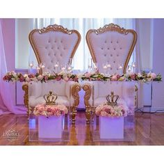 The slab top, pillar base table used as a bridal table Wedding Stage, Our Wedding, Dream Wedding, Wedding Engagement, Royal Wedding Themes, Royalty Theme Wedding, Baby Shower Chair, Shower Baby, Bridal Shower