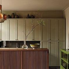 Contemporary Kitchen by Janson Goldstein