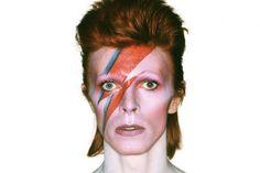 """Dans les entrailles de l'exposition """"David Bowie Is"""" à Paris"""