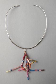 Coral Necklace/Colgante coral