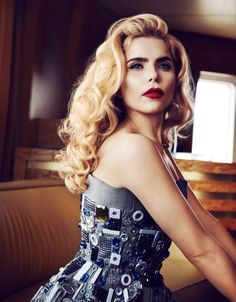 I want to meet Paloma Faith and speak to her personally and fully. Paloma Faith Hair, Hair Inspo, Hair Inspiration, Blond, Celebs, Celebrities, Vintage Hairstyles, Woman Crush, Pretty People