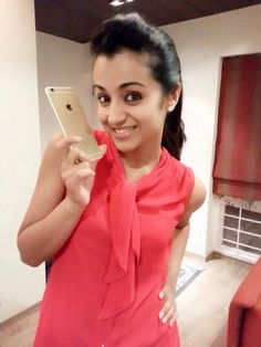Trisha Krishnan at IPhone6 Chennai Launch