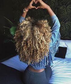 Top 23 Long Curly Hair Ideas of 2019 - Style My Hairs Dyed Natural Hair, Natural Hair Tips, Natural Hair Styles, Love Hair, Big Hair, Gorgeous Hair, Blonde Curls, Blonde Afro, Big Chop