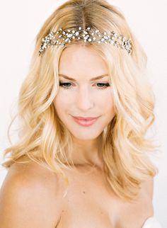 30 Trendy Wedding Veils With Tiara Hair Down Bridal Headpieces Romantic Wedding Hair, Wedding Hair And Makeup, Wedding Veils, Hair Wedding, Trendy Wedding, Sparkle Wedding, Prom Hair, Wedding Blog, Wedding Styles