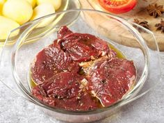 Apple Juice Steak Marinade - You might never think of marinating a ribeye steak in apple juice for a tender and subtly sweet result, but you'll be glad somebody else did. Apple Juice Steak Marinade - You might never think of marinatin Roast Beef Marinade, Venison Roast, Steak Marinade Recipes, Marinated Steak, Beef Recipes, Cooking Recipes, Cooking Pork Chops, Cooking Ribs, Cooking Oatmeal
