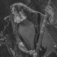 Tom Araya - Slayer @ Bogotá 03/05/17  #livephoto #livemusic #stagephotography #stage #htbarp #concert #live #thrashmetal #bass #bassplayer #bnw  Ph: @bergslay #FactorMetal