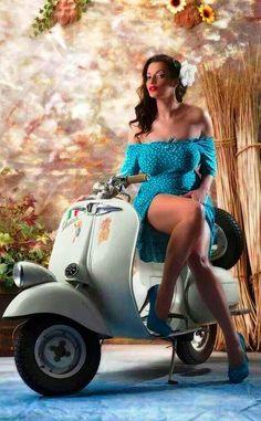Beautiful curvy busty Italian woman on a Vespa scooter Piaggio Vespa, Vespa Scooters, Moto Vespa, Vespa Motorcycle, Lambretta Scooter, Motor Scooters, Scooter Girl, Vespa Girl, Vintage Vespa