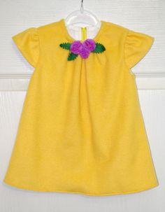 Продам. Платья для девочек. Ручная работа. Флисовое платье с фетровой брошкой. Размер: 12 мес. 190 грн