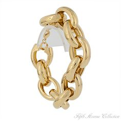 Large, lightweight, oval chained bracelet from Fifth Avenue Collection.