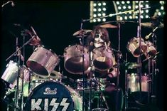 Kiss Members, Eric Carr, Peter Criss, Kiss Pictures, Kiss Band, Hot Band, Music Bands, Live Life, Rock Bands