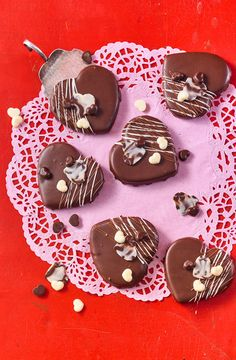 Sacher heart of Sivi Mini Desserts, Party Desserts, Christmas Desserts, Italian Cookie Recipes, Healthy Cookie Recipes, Healthy Cookies, Cookies Vegan, Christmas Sugar Cookies, Holiday Cookies