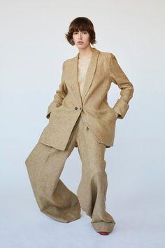 Creatures of Comfort Resort 2018 Fashion Show Suit Fashion, Fashion Show, Fashion Outfits, Fashion Design, Suits For Women, Women Wear, Shotting Photo, Fashion Gone Rouge, Modelos Fashion