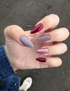 What you need to know about acrylic nails - My Nails Almond Acrylic Nails, Best Acrylic Nails, Almond Nails, Acrylic Nail Designs, Stylish Nails, Trendy Nails, Nail Manicure, My Nails, Glitter Nails