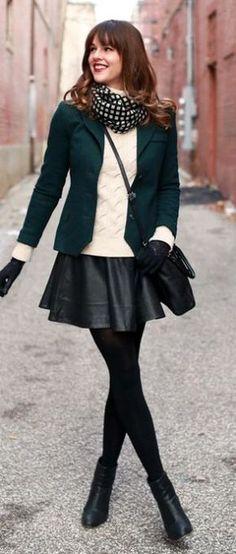 Bom dia amores, tudo bom? Hoje estamos atendendo ao pedido de muitas leitoras A dúvida de como usar saia no inverno é super comum, e faz todo sentido. Mas podem ter certeza que existem mil maneir…