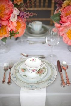 Vintage-Mismatched-China | photography by http://saragrayphotography.com/