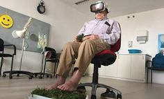 A través del uso de gafas de realidad virtual, se traslada a los mayores a instantes de su pasado, pudiendo ver sitios en los que han estado antes.