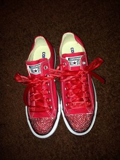 Red bling converse by RhinestoneEverything on Etsy Zapatos Bling Bling, Bling Heels, Bling Converse, Sparkly Shoes, Converse Sneakers, Rhinestone Converse, Homecoming Shoes, Prom Shoes, Converse Brillantes