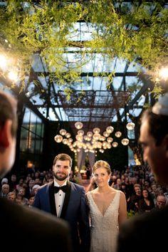 Luiza Brenner e Thomas Sadek tiveram um lindo casamento em São Paulo, com decoração assinada pela Bothanica Paulista. Vem ver os detalhes!