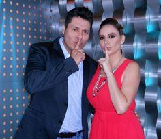 Joselyn Juncal en Secreto a Voces de Bandamax con Walo Silvas de Banda MS