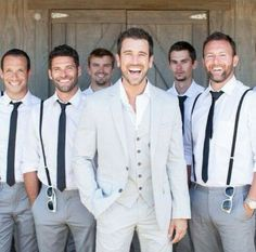 Look perfeito para o noivo e seus padrinhos usarem no grande dia, se for em casamento diurno/campal, não acham???!!! Amei!!!