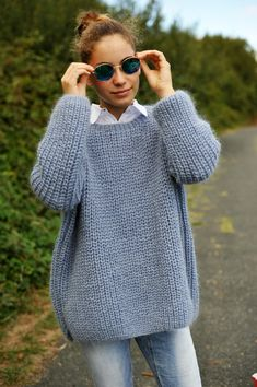 thinning pullover - LUCE our most beautiful selection of wools and patterns - Knitting 02 Crochet Baby, Knit Crochet, Big Wool, Crochet Scarves, Knitwear, Knitting Patterns, Couture, Plus Belle, My Style