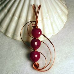 3 Red Hearts | JewelryLessons.com