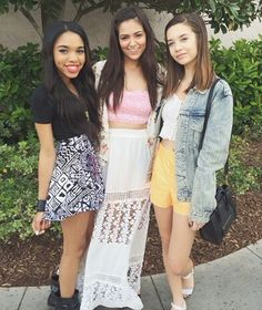 Teala on the left, Bethany in the middle (macbarbie07) & Mandy on the right (makeupbymandy24) Love themm♡