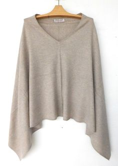 Cashmere w merino knit poncho - Beige