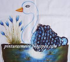 Resultado de imagem para pintura em tecido e croche cestinha