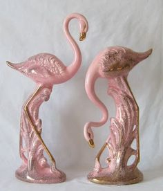 Sweet Betty Lou: Deco ceramique (I have the one with it's head down in aqua) Flamingo Decor, Pink Flamingos, Pretty Birds, Pretty In Pink, Kitsch, Pink Bird, Vintage Items, Retro Vintage, Everything Pink