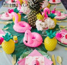 Flamingle Party: This season's hottest DIY Flamingo Party Ideas. Want the perfect theme for summer? Let's flamingle with a fantastic flamingo party! Today I'm sharing some amazing DIY flamingo decorations and ideas for a flamingle party. Flamingo Birthday, Luau Birthday, 1st Birthday Parties, Backyard Birthday, Backyard Kids, Pink Flamingo Party, Hawaiian Birthday, Themed Parties, Birthday Ideas