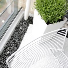 Use pebbles on your balcony against the outside wall or glass. Nice touch.