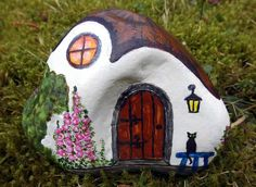Made by moni casette painted rocks, house on the rock и rock Rock Painting Patterns, Rock Painting Ideas Easy, Rock Painting Designs, Pebble Painting, Pebble Art, Stone Painting, House Painting, Painted Rocks Craft, Hand Painted Rocks