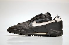 3ca43a3ed136 vintage NIKE Astro Turf Football Shoes size UK 8.5 Eur 43 OG 90s made in  1995