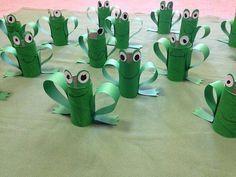cardboard tube frogs
