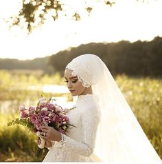 (notitle) The post appeared first on Home Dekoration. Bridal Hijab Styles, Muslim Wedding Dresses, Muslim Brides, Wedding Trends, Wedding Styles, Wedding Photos, Stella York, Jenny Packham, Hijab Bride