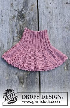 Lille lisa / DROPS children - free knitting patterns by DROPS design The set includes: knitted hat and collar scarf with a small cable pattern for children. Knitting For Kids, Baby Knitting Patterns, Free Knitting, Drops Design, Crochet Baby, Knit Crochet, Crochet Skirt Pattern, Knitted Hats, Neck Warmer