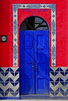 Kobalt blue  Marrocos Have more information on our Site  http://storelatina.com/travelling   #travelmorrocos #marrocostour #morroco #morrocostravel  Morroco Travel  Information on our Site   http://storelatina.com/morroco/travelling