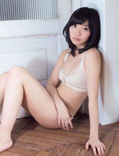 Rino+Sashihara+Flash+Magazine+02.jpg