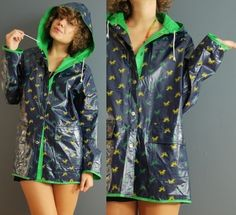 could there be a cuter raincoat?!