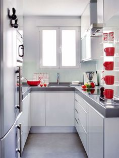Make you confused choosing a minimalist kitchen design to fill your dream home. Here we share tips & tricks and inspiration minimalist kitchen ideas that suits your style. Small U Shaped Kitchens, Small Modern Kitchens, Home Kitchens, Kitchen Small, Narrow Kitchen, Kitchen Layout, Kitchen Decor, Ikea Kitchen, Kitchen Models