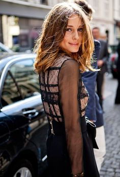 """go-to-barneys-newyork: """" thestreetmode: """" Olivia Palermo """" Olivia """" To keep the theme of black sweet lace! Olivia Palermo is always super chic ♥ Olivia Palermo Hair, Olivia Palermo Style, Corte Y Color, Looks Street Style, Tips Belleza, Great Hair, Amazing Hair, Mode Inspiration, Fashion Inspiration"""